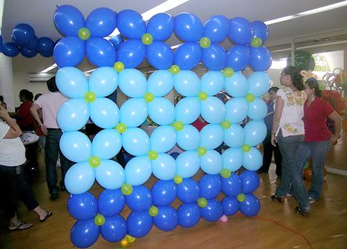 Cursos de globos for Decoracion para pared con globos